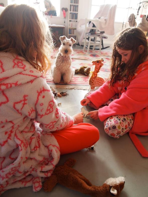 Girls playing. Rare lazy Sunday ....without market!